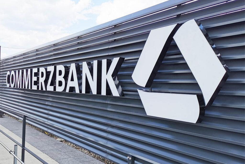 Commerzbank litery 3d