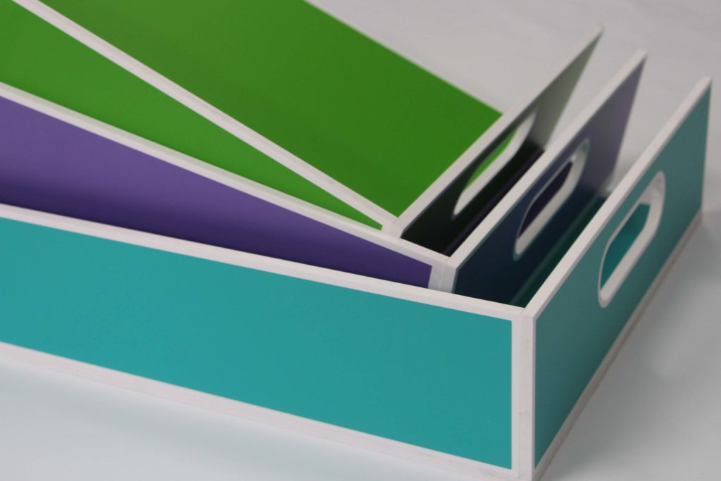pudełka kolorowe szufladki