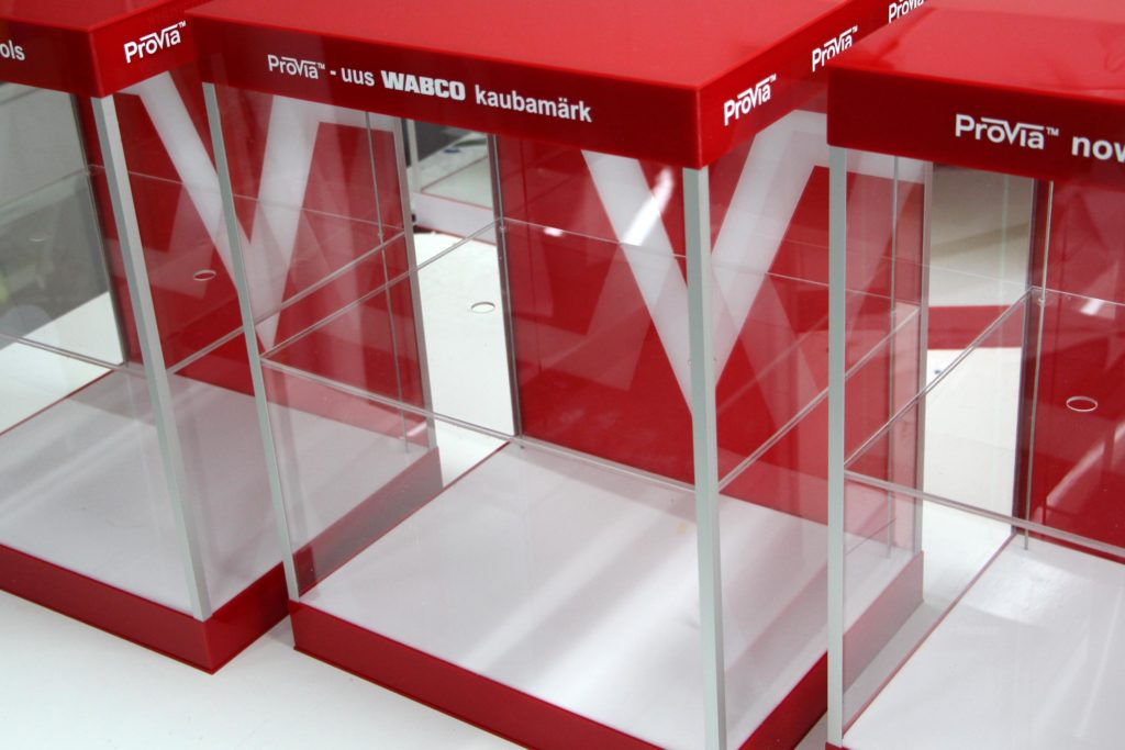 ekspozytory indywidualne plexi podświetlane