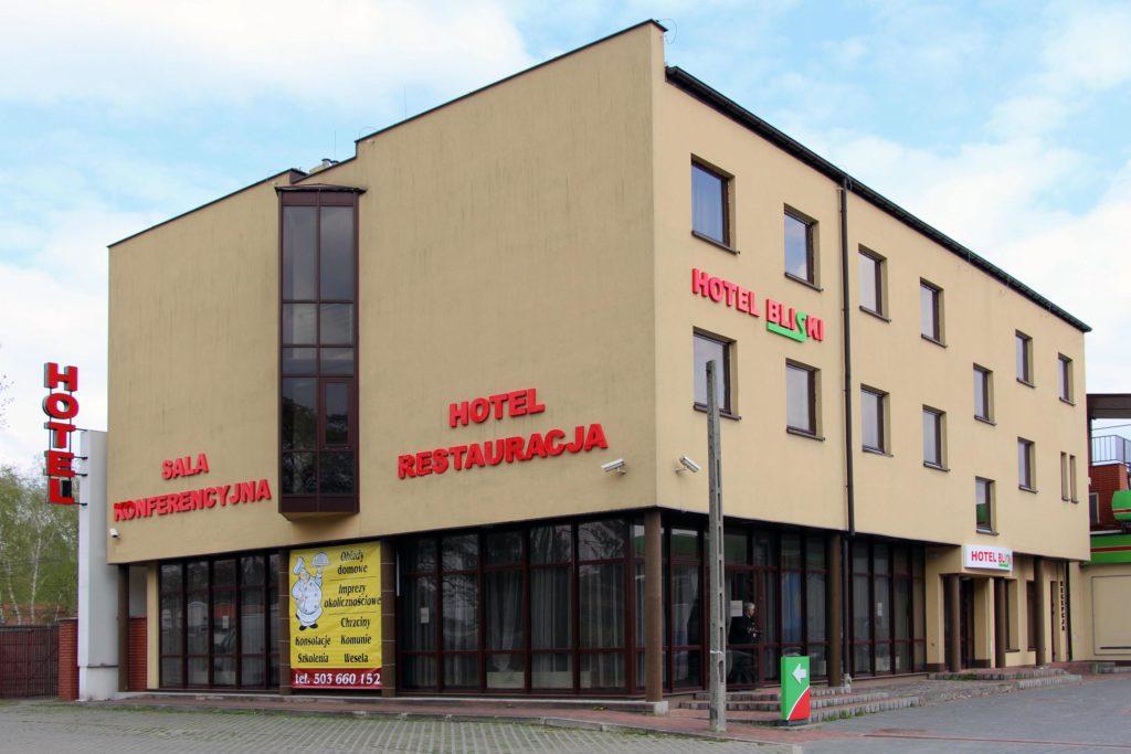 Oznakowanie hotel bliski