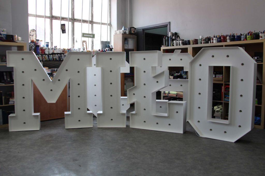 litery ślubne