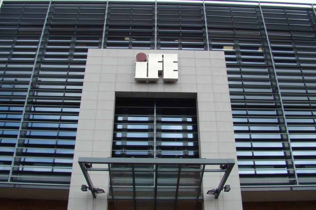 litery metalowe IFE