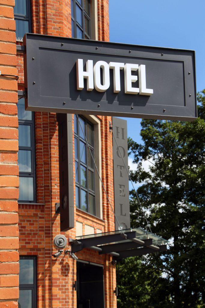 oznakowanie firm hotel