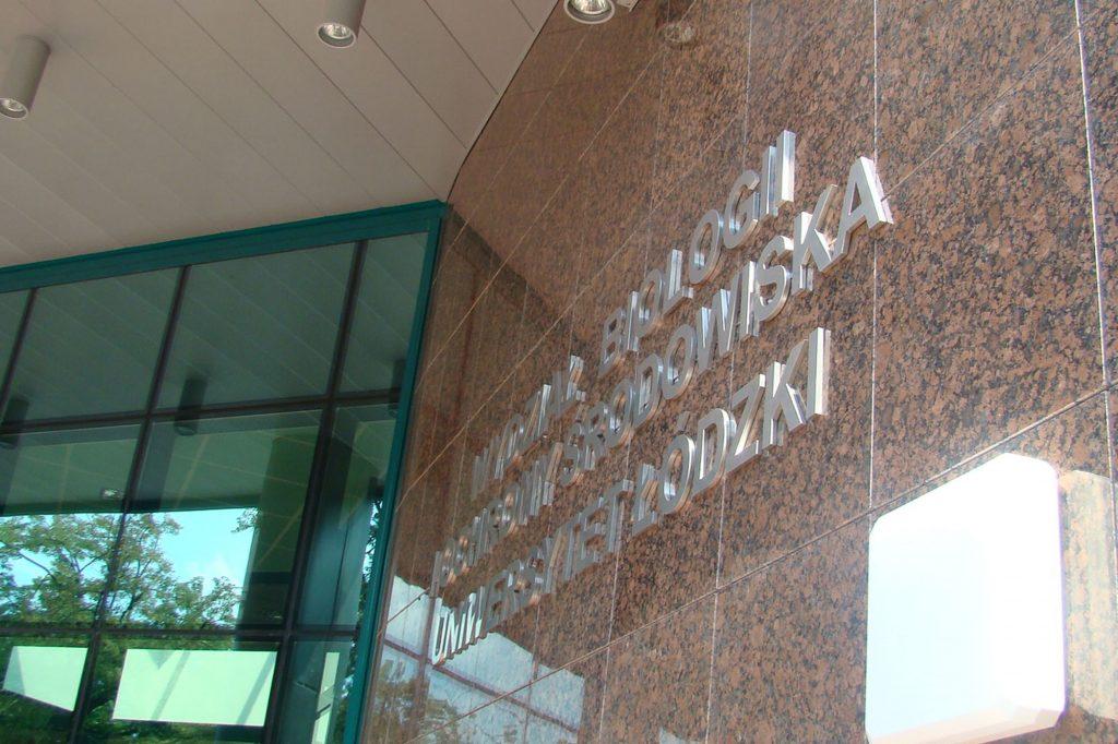 Oznakowanie instytucji - litery metalowe