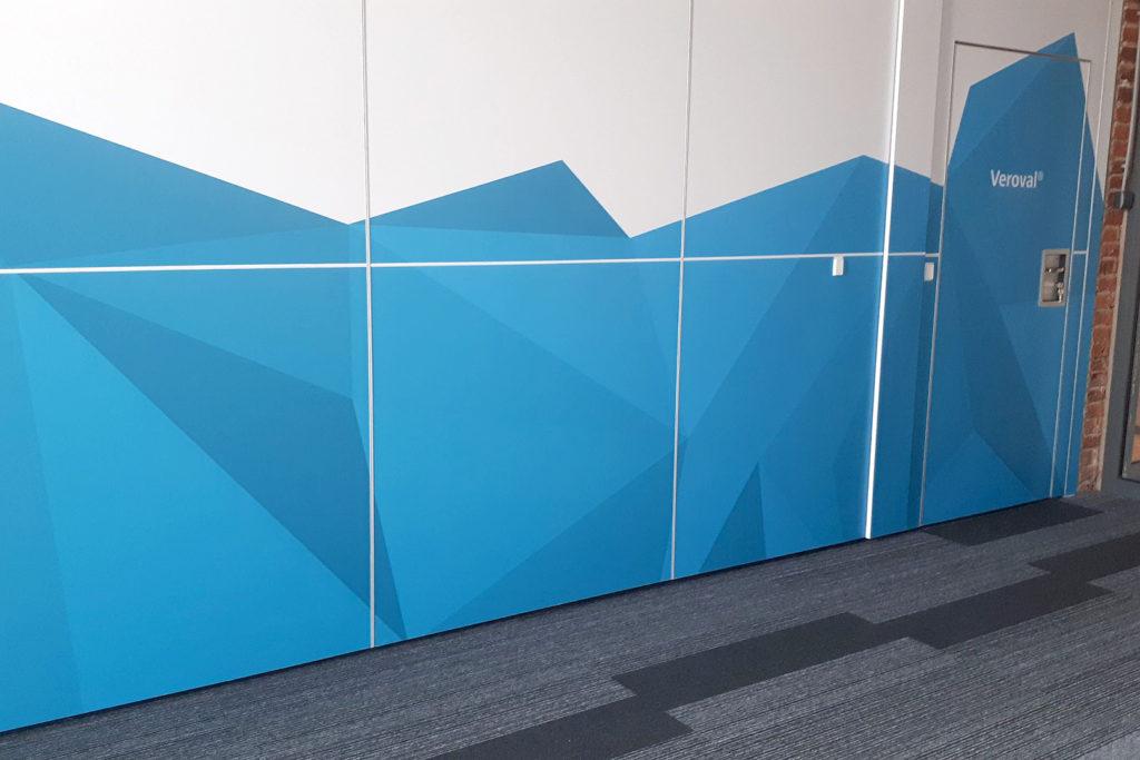 Oklejanie ścian z paneli